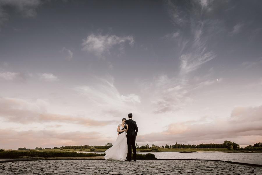 Hochzeit am Ufer der Elbe